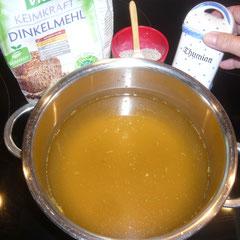 zutaten: gemüsebrühe, quendel oder thymian, salz, dinkelmehl