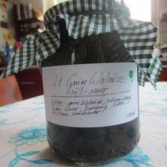 21 süß-sauer eingelegte grüne walnüsse