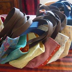 taschen aus oma´s werkstatt. meine schwiegermutter unterstützt mich sehr. ihre taschen sind einfach spitze!  so gearbeitet, dass man sie auch waschen kann!