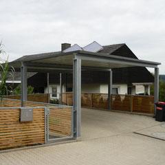 Carport offen mit 25 m Zaun