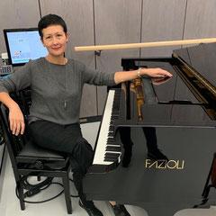 Klavierunterricht, auch bei Ihnen zu Hause in Stuttgart-Mitte, West und Ost, Klavierlehrerin Emilia Tairova