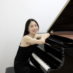 Klavierunterricht bei Reimi Kühndorf-Matsuda in Leinfelden-Echterdingen, Stuttgart-Mitte, West, Süd, Nord