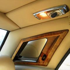 Rolly Royce Silver Spur II V8, mit beledertem Dachhimmel, und Dachsäulen.