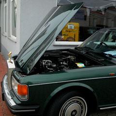 Rolls Royce Silver Spur II, typisch britischer Motorhaubenöffnung.