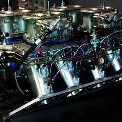 Ansaugbücke eines Super-Gas V8 Dragsters mit NOS-System.