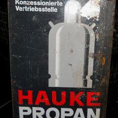 "Altes ""HAUKE"" Propan Blechschild mit Patina. ca. 31 x 42cm"