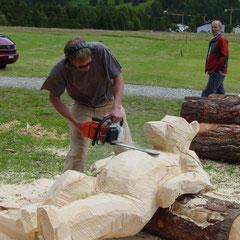 Bär Holzskulptur Arve