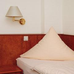 Ein gemütliches Einbettzimmer im Hotel Meyer