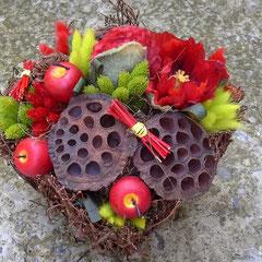 Композиции из искусственных цветов в корзине новочеркасск