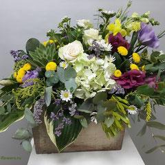цветочная композиция с конфетами миллерово
