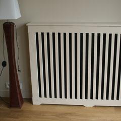 """cache radiateur bois vertical façon """"élancé"""" réalisé sur mesure par notre menuisier #decoetmatieresvousconseille"""