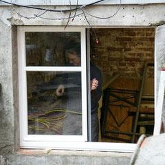 1. Fensterflügel einsetzen