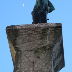 Merkur und der Mond