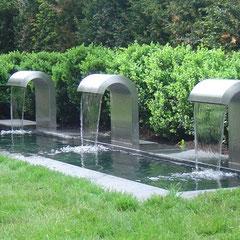 Brunnenanlage mit mehrfach Einlaufrohren
