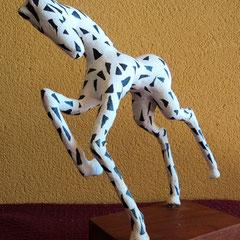El Caballo del Circo .:. Papel maché y cemento blanco - Altura: 24cm - 2005