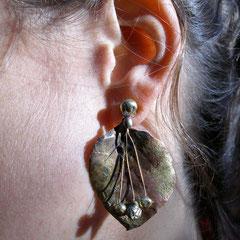 Boucles d'oreille feuille d'or
