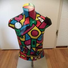 Tienertorso, kunststof op verstelbare rvs-voet, ca 45 cm hoog, 37 cm breed € 120