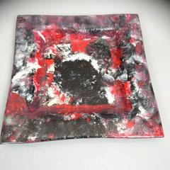 Vierkante glazen schaal, 30 x 30 cm, € 39
