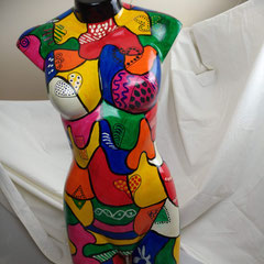 Vrouwentorso, kunststof hoogte 78 cm, breedte 30 cm € 225