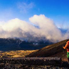 Abstieg von der José Ribas Hütte (4800 m) am Cotopaxi