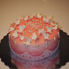 Torte mit Zuckerspitze