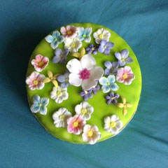 Blumenwiese Torte