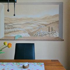 das fertige Esszimmer mit vollendetem Wandbild