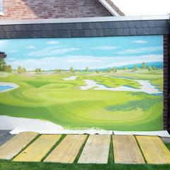 Der Golfplatz im eigenem Garten entwickelt sich.
