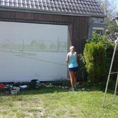 Dunkelbraune Umrandung mittels gemalter Holzbrett-Illusion...