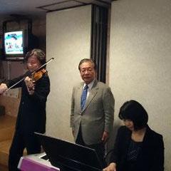 藤本あきのり議員も名演奏に聞き惚れたひと時でした。