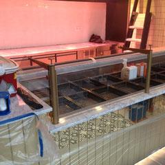 Counter met koeling geplaatst
