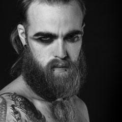 Portraits masculins en noir et blanc