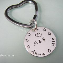 Schlüsselring in Herzform mit beschriftbarer Silberscheibe
