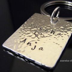 massiver, schwerer Schlüsselanhänger aus Sterlingsilber mit Namen + Herzchen