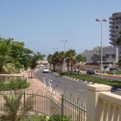 Rue Exodus, vers la plage