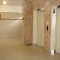 2 ascenseurs dont 1 shabbatique