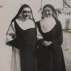 Madre Scolastica e Suor Maria Minima a Barletta nel 1953