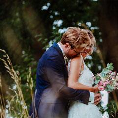 Hochzeitsfotografin NRW Münster Wiese Hochzeitsreportage, Hochzeitsfotos | Hochzeitsfotografie || Hochzeitsfotografin Rebecca Adloff | Ruhrgebiet, NRW, Essen, Oberhausen, Düsseldorf, Köln,