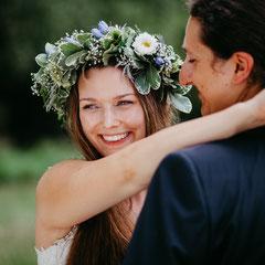 Hochzeitsreportage, Hochzeitsfotos | Hochzeitsfotografie |Burg Vondern | Hochzeitsfotografin Rebecca Adloff | Ruhrgebiet, Essen, Oberhausen, Düsseldorf, Köln, Mittelalterhochzeit, Blumenkranz