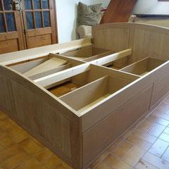 Lit en chêne avec tiroirs