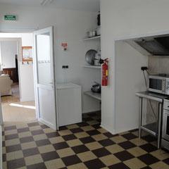"""Vue de la cuisine du gite de groupe de """"la Marcanteraine"""""""