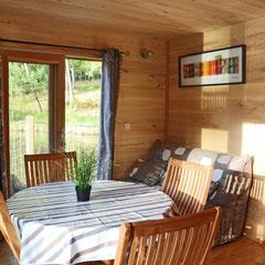Un séjour lumineux et confortable