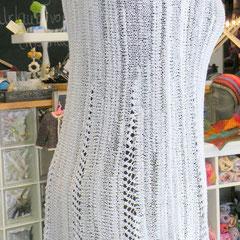 Tunika / Kleid aus Ella von Lang Yarns, Modell auf Heft: FAM 205 Nr. 46
