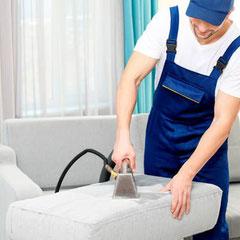 чистка мебели с помощью экстрактора