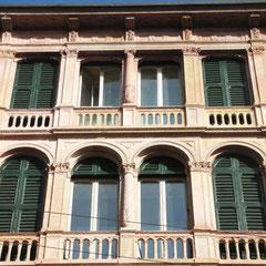 Milano - Edificio vincolato C.so Magenta, 12 Casa Rossi