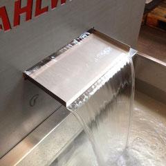 Wasserschütte aus Edelstahl