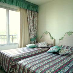 das zweite Schlafzimmer mit bequemen 2 Einzelbetten