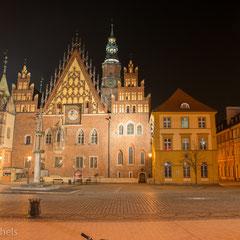 Nach dem großen Brand von 1363 entstanden die ersten gotischen Häuser am Ring.