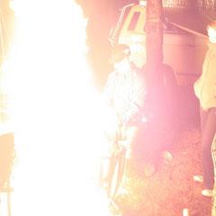 Und: Wir machen wieder Feuer! UND...