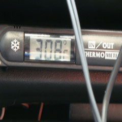 "Tag 5: Samstag, 04.06.2011 - ""morgens"" um 9:30h schon knackige 30 Grad im Auto...!"
